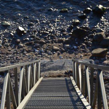 Trappe der fører til stranden